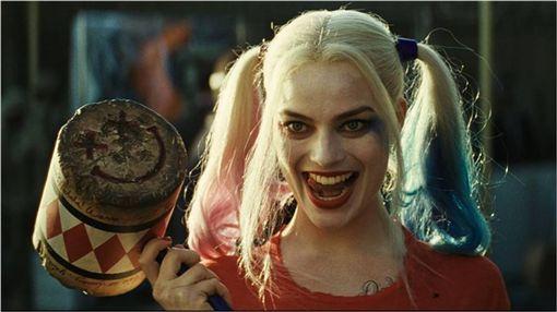 自殺突擊隊,小丑女,Harley Quinn,瑪格羅比,David Ayer,Gotham City Sirens,貓女,毒藤女 圖/翻攝自臉書