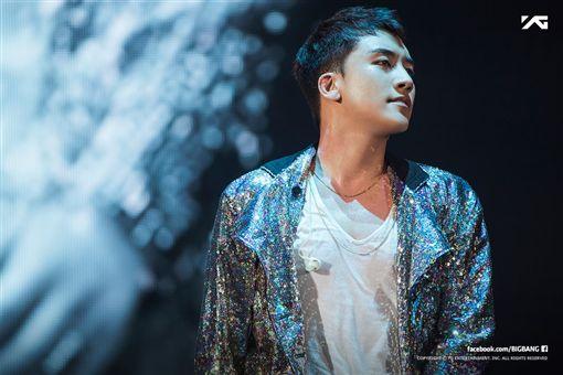 (圖/翻攝自BIGBANG臉書)