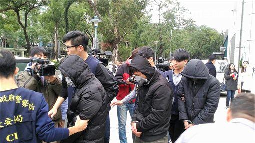 林嫌詐騙王姓老婦70萬元後遭警逮獲並智取水房另兩名車手(翻攝畫面)