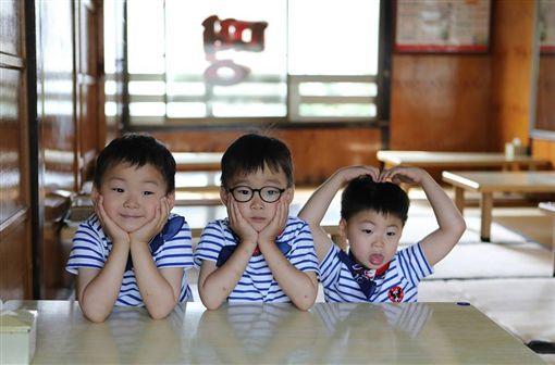 南韓三胞胎大韓、民國、萬歲。(圖/翻攝自宋一國IG)