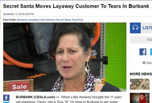 幫加州貧困婦人付禮物錢(圖/翻攝自《CBS Los Angeles》) http://losangeles.cbslocal.com/2016/12/14/secret-santa-moves-layaway-customer-to-tears-in-burbank/