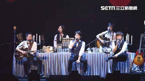 五月天台北演唱會首場小巨蛋熱鬧開唱 圖/鄭先生