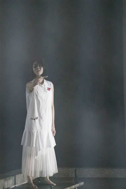 連背三女上身 子閎鐵腿瘦3公斤 圖/緯來電影台提供