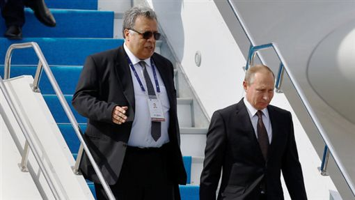 俄羅斯駐土耳其大使卡羅夫http://www.nytimes.com/2016/12/19/world/europe/andrey-karlov-wiki.html