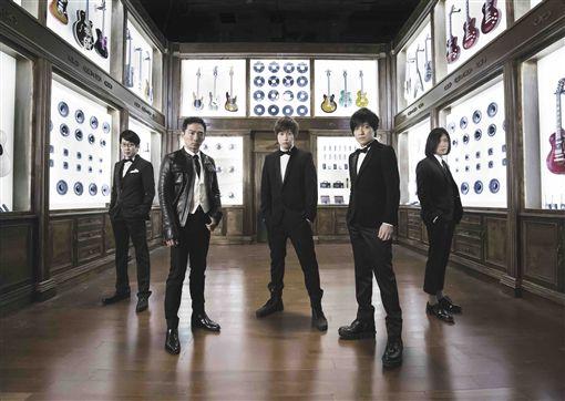 五迷尖叫吧!五月天重返KKBOX風雲榜開唱(圖/KKBOX)