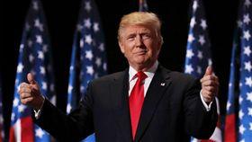 Donald John Trump、川普/臉書