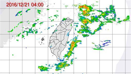 氣象,天氣,陣雨,豪雨,溫度,強陣風,颱風,紫外線,長浪,PM2.5,空氣品質,冷氣團(潘大綱臉書)