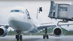 跳躍帥登機1200