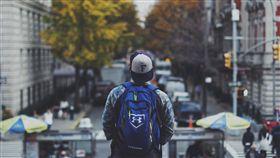旅行,背包客,學生,城市,都市(圖/StockSnap)