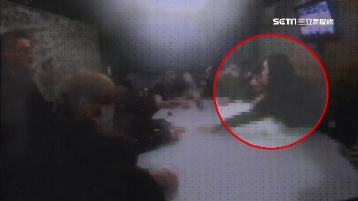 酒吧樓上賭德州撲克 荷官激似陳妍希