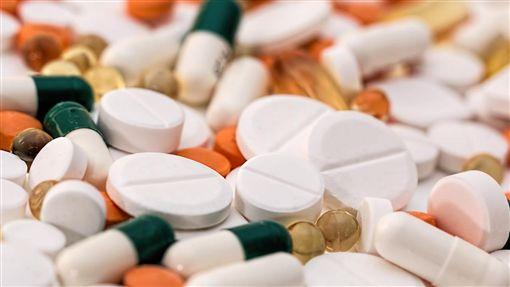 藥丸,膠囊,止痛藥,維他命,藥品(圖/Pixabay)