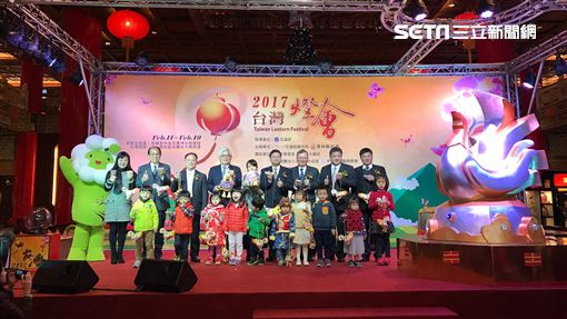 2017台灣燈會小提燈「幸福奇雞」。(圖/記者簡佑庭攝)