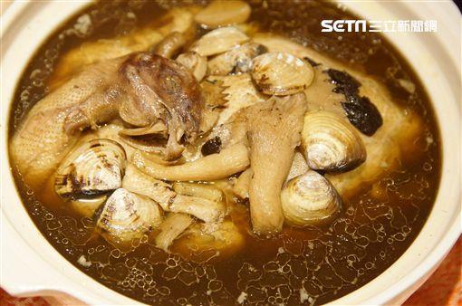 「家廚」出菜吃進金雞年 黑橋牌厚工端出手工雙糕