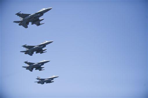 七星潭,圖/Naval Surface Warriors, flickr CC License
