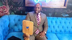 南非首都茨瓦尼(Tshwane)市長姆西梅嘉(圖/翻攝自twitter)