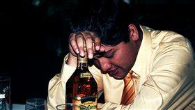 喝酒、宿醉、酒精/flickr/https://flic.kr/p/4RQdCQ