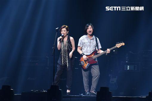 五月天RE:LIVE復刻演唱會台北最終場元旦開唱,重現1999年首場大型演唱會盛況 ID-764187
