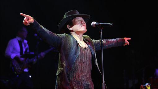 歌手,趙傳,新加坡,演唱會,勇敢一點,字幕,粉絲,重唱(中央社)