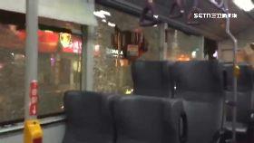 公車破玻璃1800