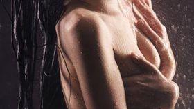 胸罩,乳房,地心引力,胸部,奶奶,女孩, Jean-Denis Rouillon, Besancon ,telegraph ,電報 圖/路透社