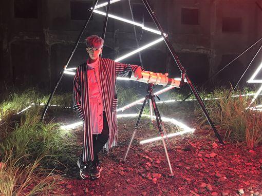 田亞霍拍MV 工作人員狂乾嘔險卡陰 圖/豐華唱片提供