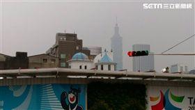 空汙,空污,汙染,污染,空氣,品質,PM2.5,懸浮微粒,天氣,氣象,西半部,台灣,髒,口罩,健康-記者施佩儀攝(台北)