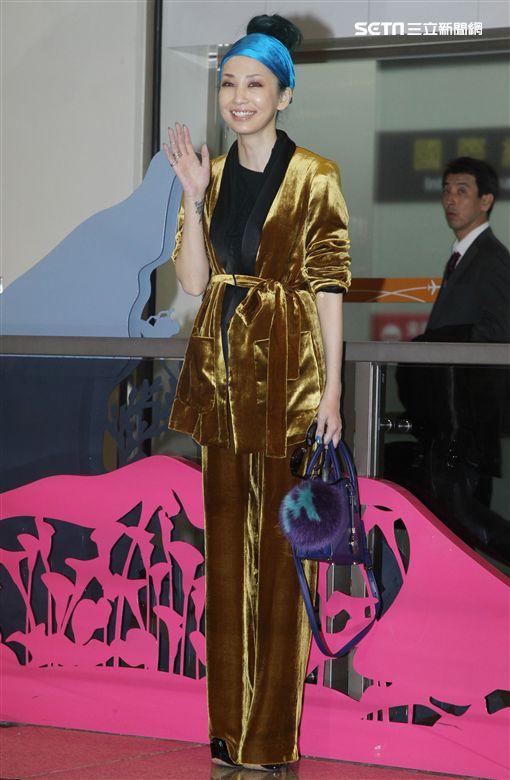 日本藝人中島美嘉來台參加台視紅白藝能大賞。(記者邱榮吉/攝影)