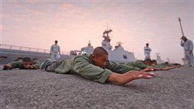 海軍陸戰隊兩棲偵搜大隊第144期兩棲偵搜專長班「克難週」 國防部提供