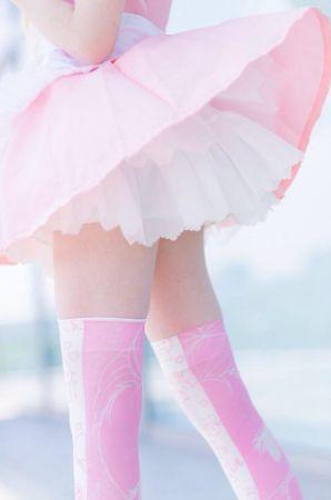 標籤,大腿,臉書,推特,日本,女星,聲優,名人,撫で回したくなるふとももグランプリ 圖/翻攝自推特