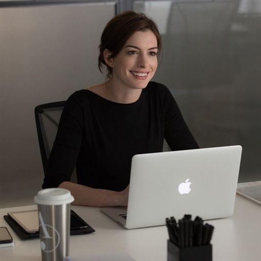 好萊塢女星安海瑟薇(Anne Hathaway)。(圖/翻攝自安海瑟薇IG)