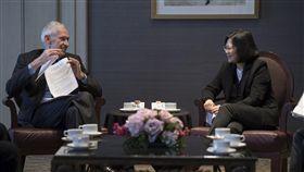 總統蔡英文與美國在臺協會(AIT)主席莫健會晤 圖/總統府提供