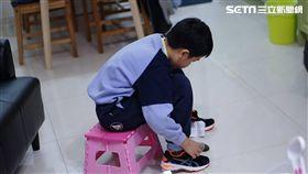獨家/好動小學生的鞋子超難買?達人授秘技:有請xx幫忙
