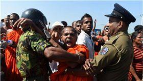 斯里蘭卡,港口,中國,租借,殖民地,抗議,Hambantota Port,漢班托塔,佛教僧侶,珍珠鏈戰略 圖/翻攝自《forbes》