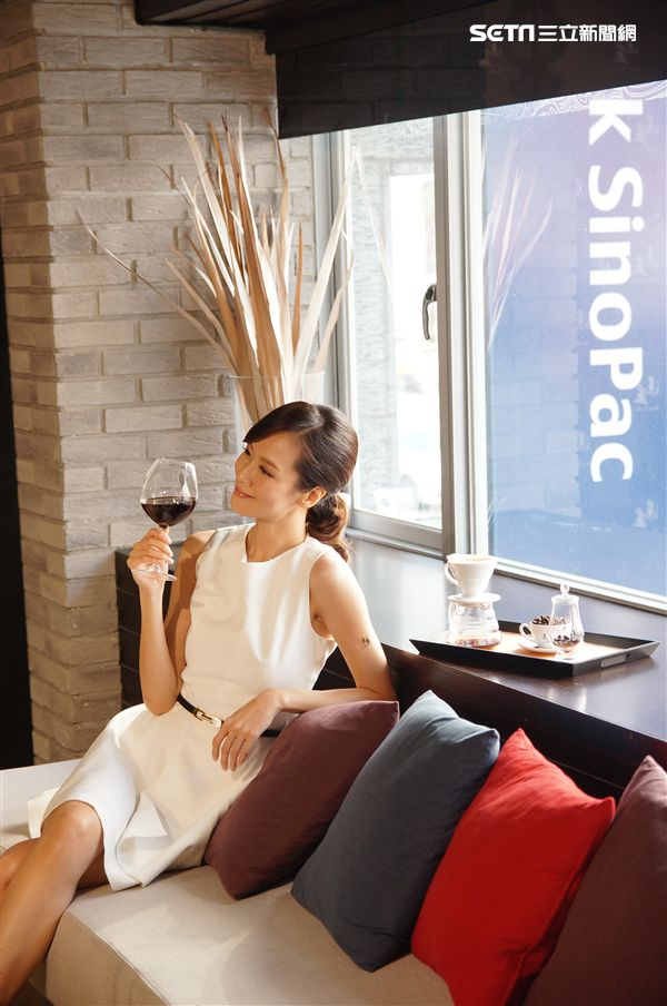 一杯破千!裝在紅酒杯的極精品黑金 喝出職人魂態度(圖/李鴻典攝)