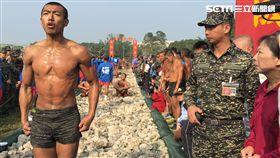 海軍陸戰隊兩棲偵搜專長班144期在11日舉辦結訓 天堂路 盧冠妃攝