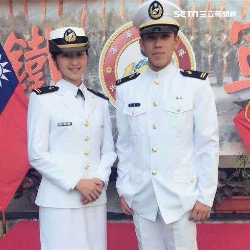 海軍陸戰隊兩棲偵搜專長班144期 99旅中尉輔導長張泰晴現身為男友崔漢文加油 友人提供