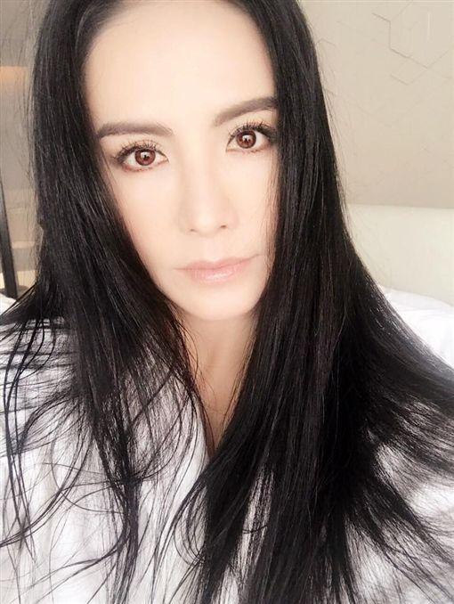 田麗離婚(圖/翻攝自田麗臉書)