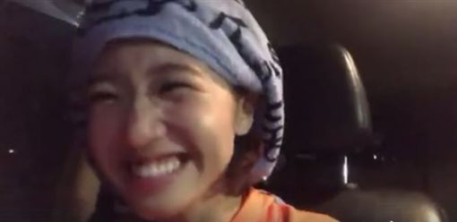 Lulu再次挑戰翻唱 《黑色柳丁》笑翻網友。資料來源:Lulu 黃路梓茵臉書