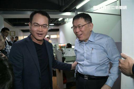 台北市長柯文哲接受寶島之聲主持人鄭弘儀訪問 北市府提供