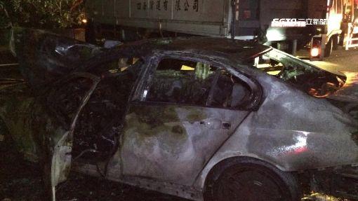 車撞護欄起火燒 國道4車追撞釀塞封全線