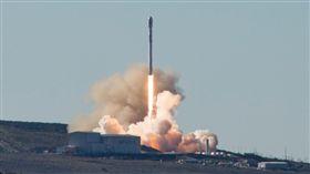 SpaceX 獵鷹9號(圖/翻攝自SpaceX臉書)