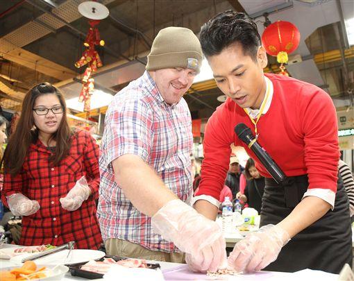 陳德烈市場教輕鬆買菜、美味上桌!圖/新北市政府提供