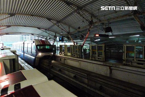 圖為吉隆坡高架單軌列車。 詹姆士已經上車,徒留攝影團隊在現場拍下這落寞的畫面