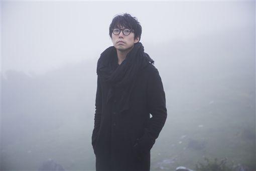演唱無數熱門曲 日本「吉他搖滾詩人」高橋優首在台發片 圖/華納提供