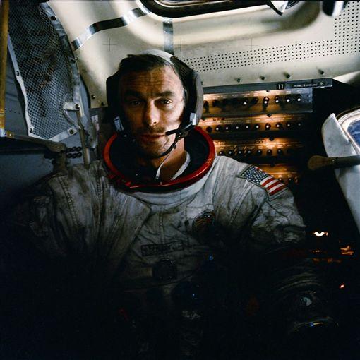 太空人塞南(Gene Cernan)/NASA臉書