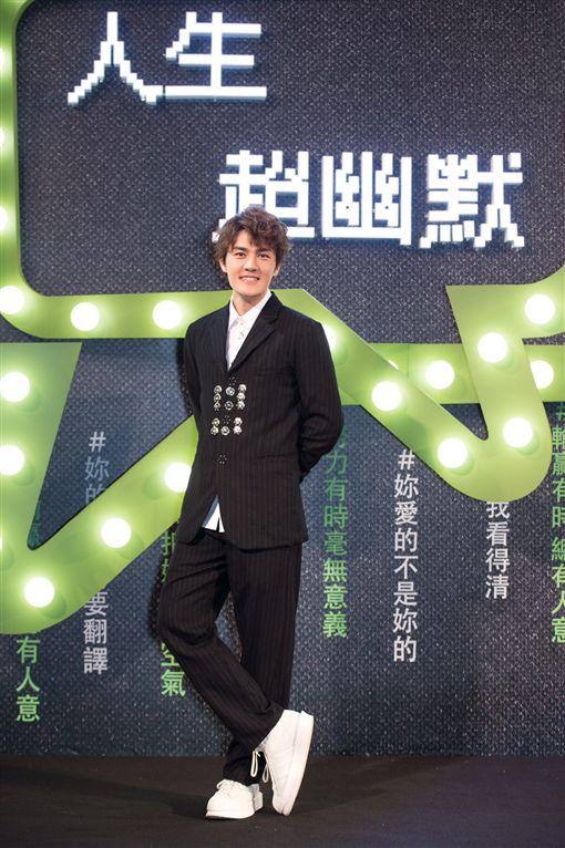 吳克群北京發片分享創作靈感 華納高層贈雙禮祝「開門紅」 圖/華納音樂提供