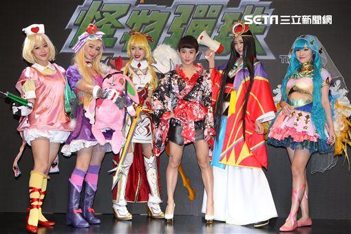 郭書瑤台北電玩展一襲超短改良式和服嫩腿尬Cosplay大放異彩。(記者邱榮吉/攝影)