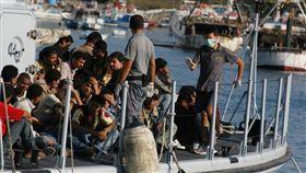 義大利蘭佩杜薩島,難民島,Lampedusa(圖/攝影者Noborder Network, Flickr CC Lisence)https://goo.gl/f2AUnq