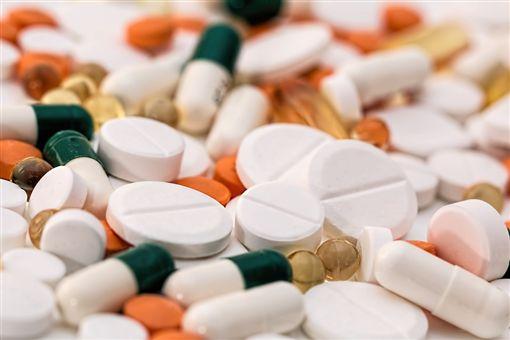 頭痛,疼痛,藥丸,藥物,藥片,處方(圖/Pixabay)