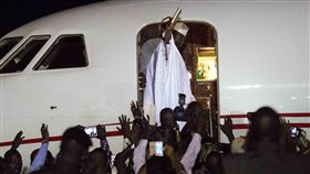 甘比亞(Gambia)總統賈梅(Yahya Jammeh)下台流亡_美聯社